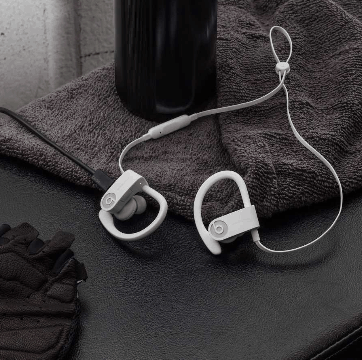 Difference between Powerbeats 2 and Powerbeats 3